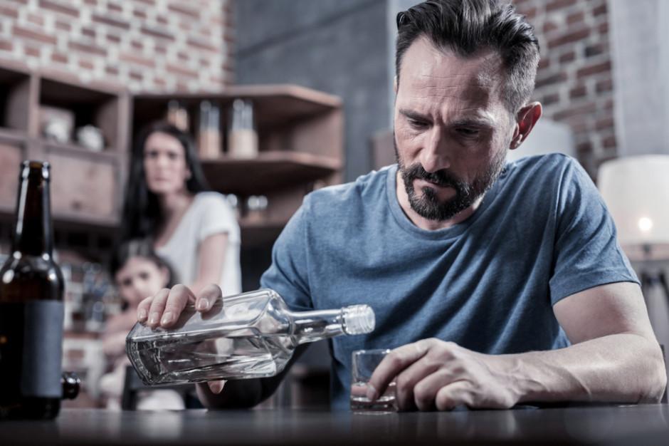 Lekarze: Nadużywanie alkoholu może doprowadzić do demencji