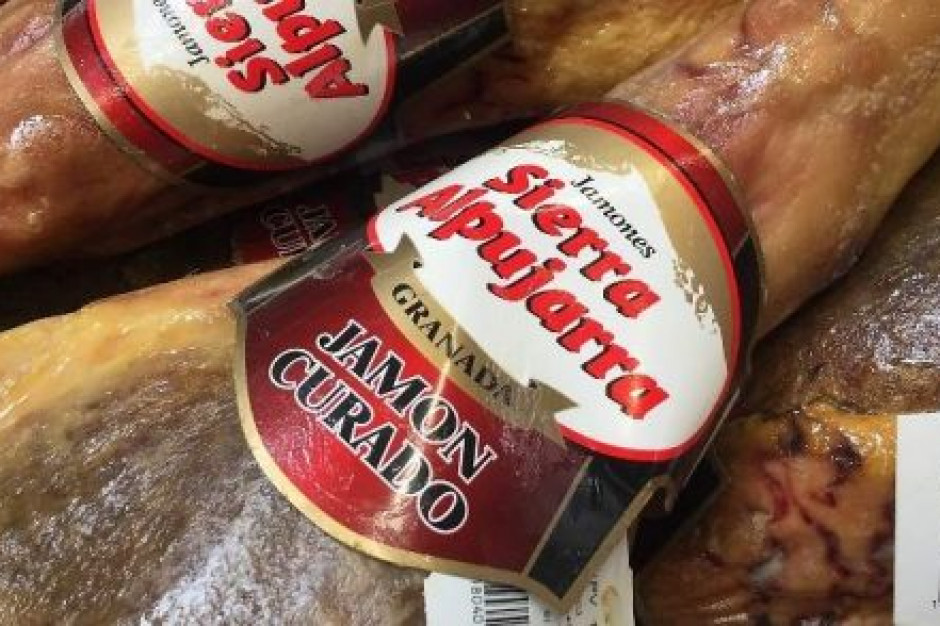 Hiszpania: Producent szynek w ogniu krytyki za wykorzystanie mięsa z Polski