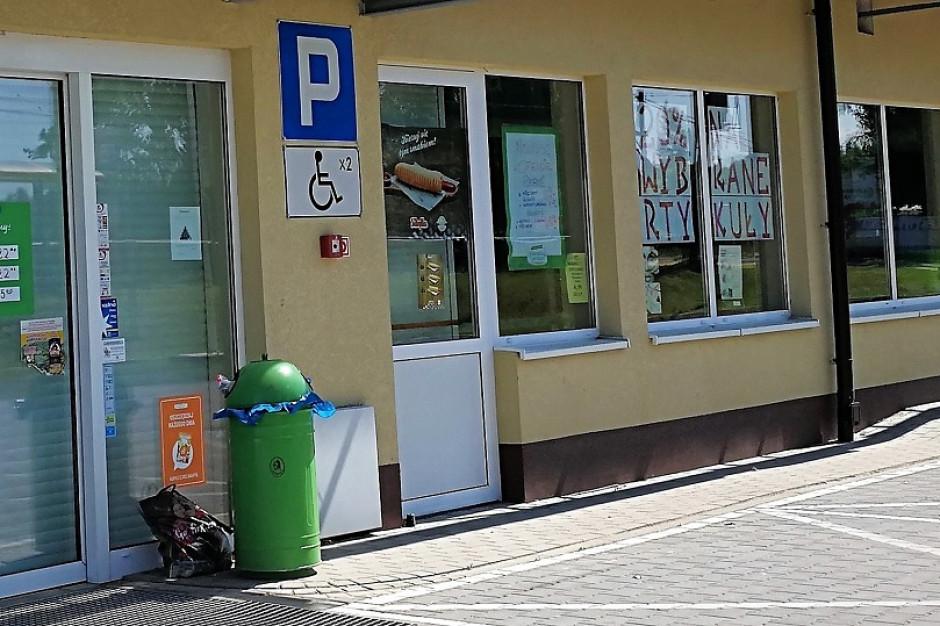 Eksperci i GUS: Za wcześnie, żeby stwierdzić, że małe sklepy upadają przez zakaz handlu w niedziele