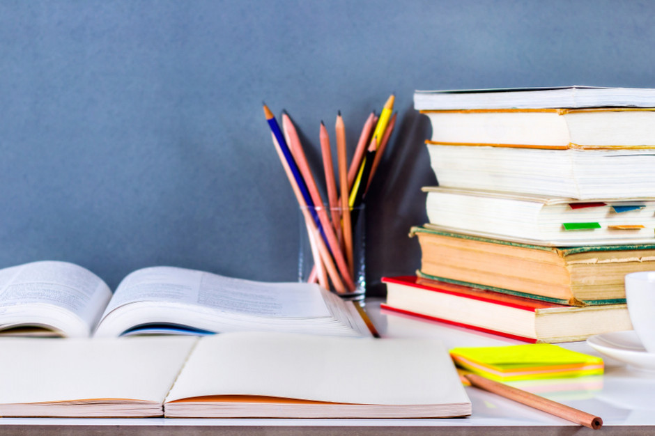 Wyprawka szkolna: Ponad połowa rodziców zajrzy do księgarni, hipermarketów, dyskontów i sieciówek
