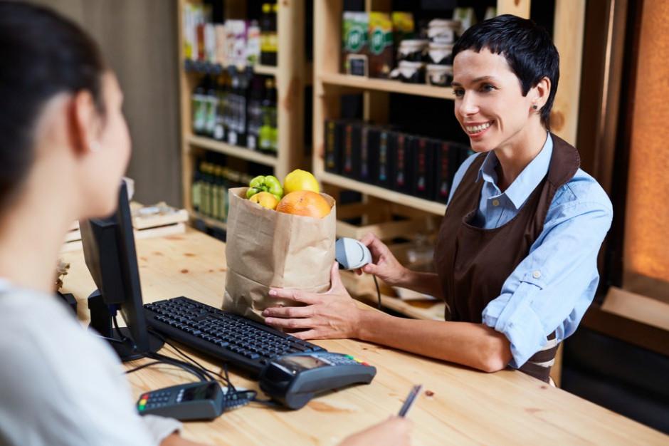 Raport: średnia wartość zakupów w małych sklepach w lipcu br. wyniosła prawie 15 zł
