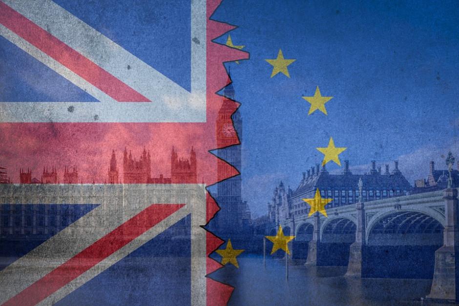 Większość Brytyjczyków chce referendum ws. umowy o brexicie