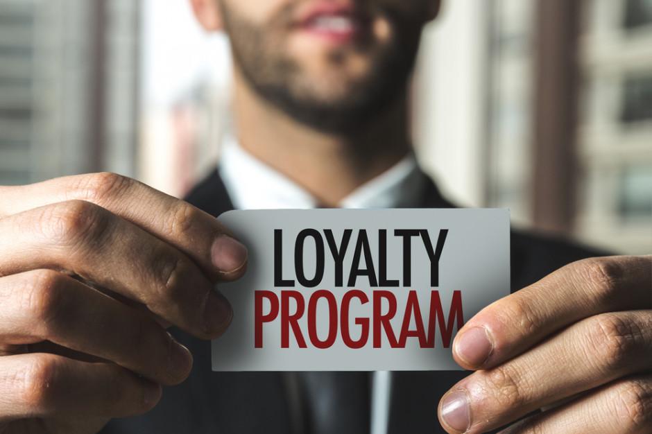 Polacy coraz bardziej wierzą w programy lojalnościowe (badanie)
