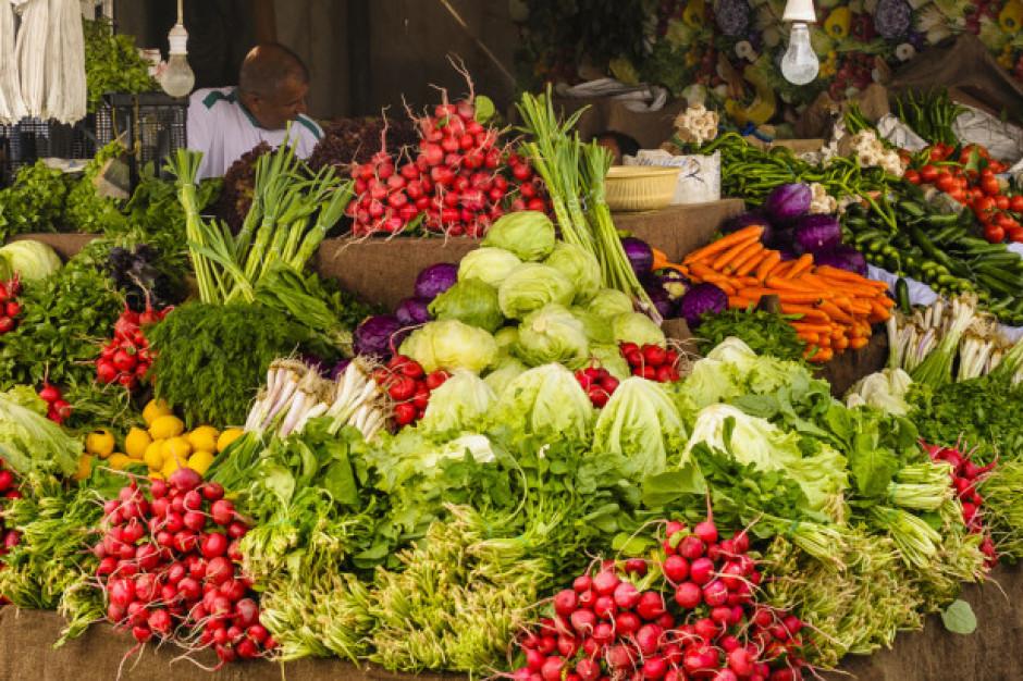 Bronisze: Rosną ceny jabłek; przybywa warzyw gruntowych