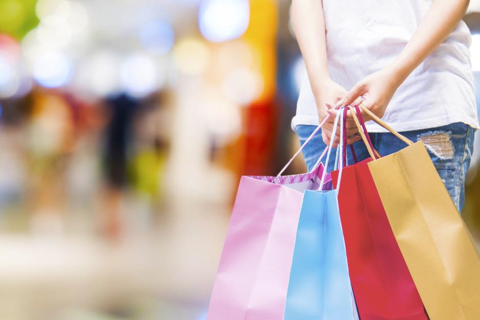 Zakupy w tygodniu, w sobotę czy przez internet? (badanie)