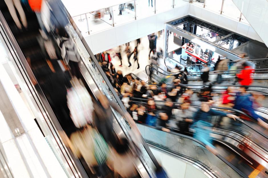 Centra handlowe chcą skłonić klientów do spędzania w nich wielu godzin