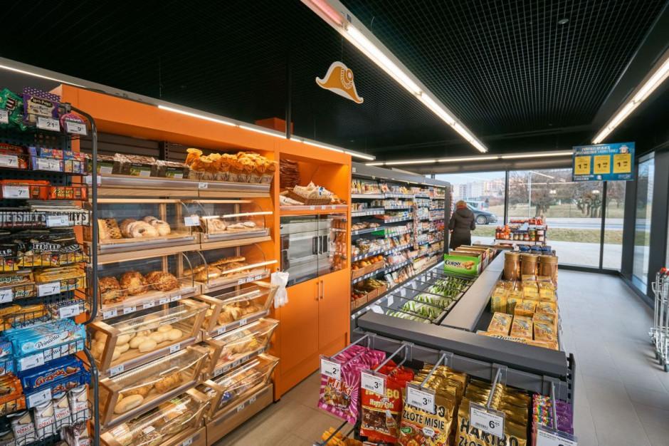 Carrefour otwiera sklepy na stacjach paliw Total