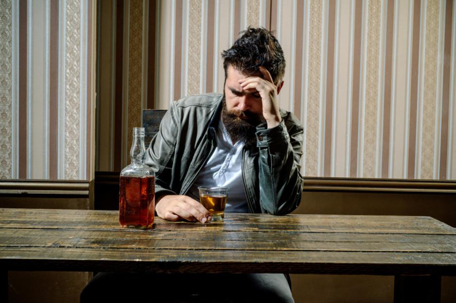 Eksperci: przegrywamy walkę z alkoholizowaniem naszego kraju