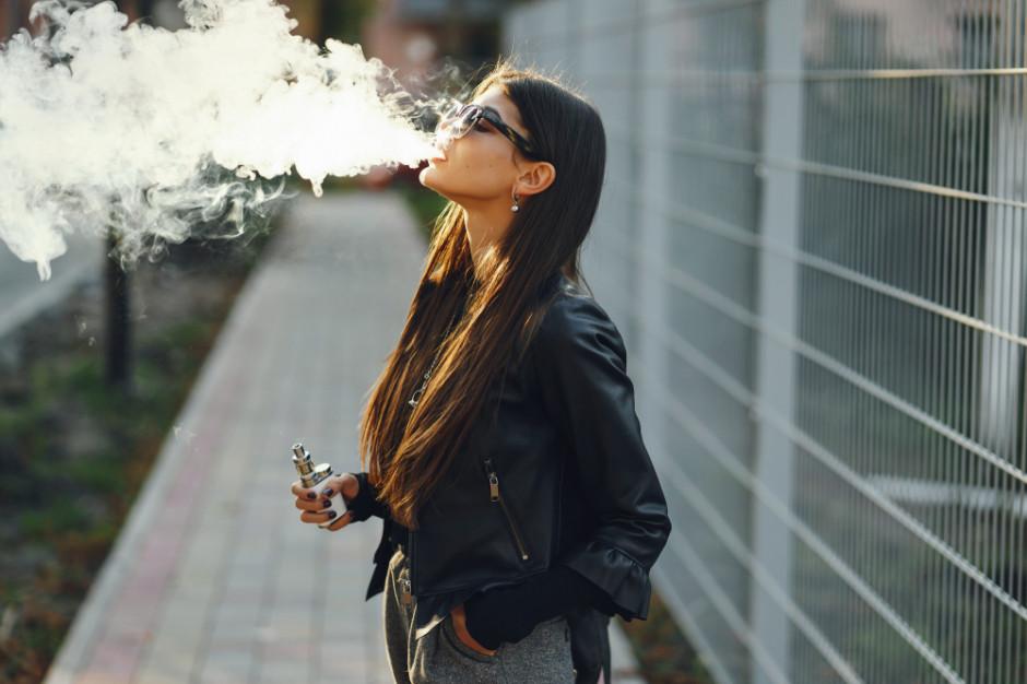 E-papierosy nie są szkodliwe - tak uważa co czwarty nastolatek w USA