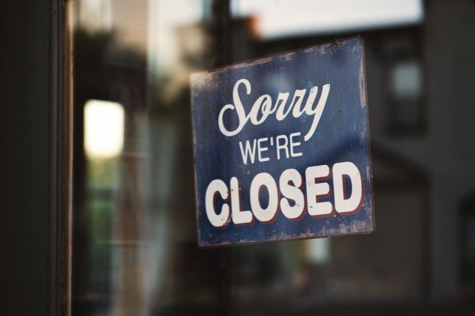 Jak Polacy z różnych grup zawodowych i społecznych oceniają ograniczenia handlu w niedziele (raport)