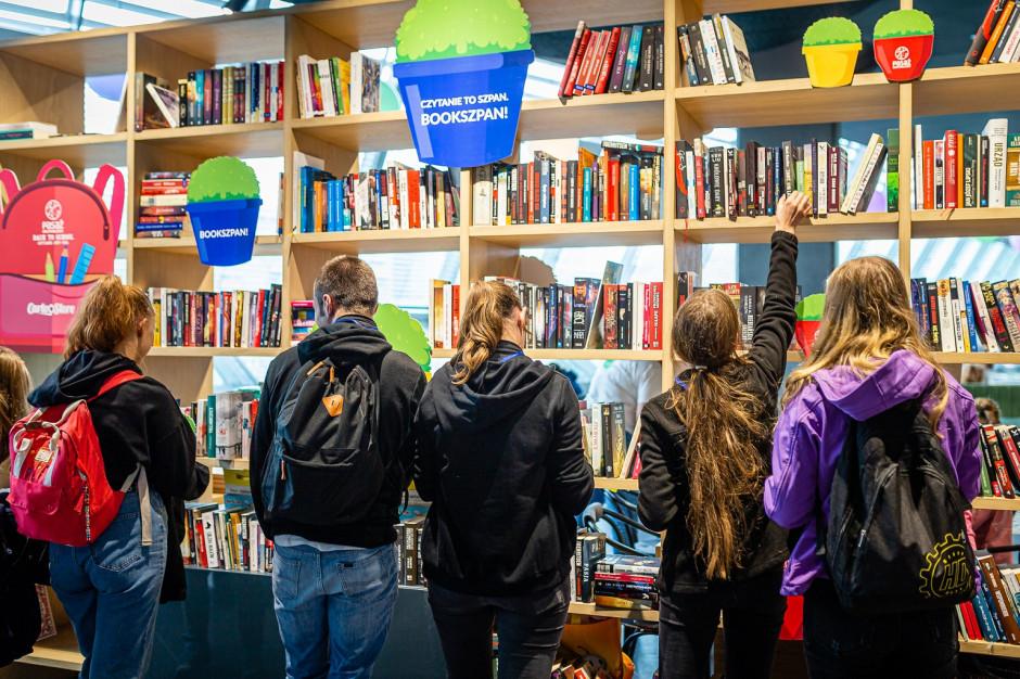 Pasaż Grunwaldzki we Wrocławiu otworzył bezpłatną bibliotekę