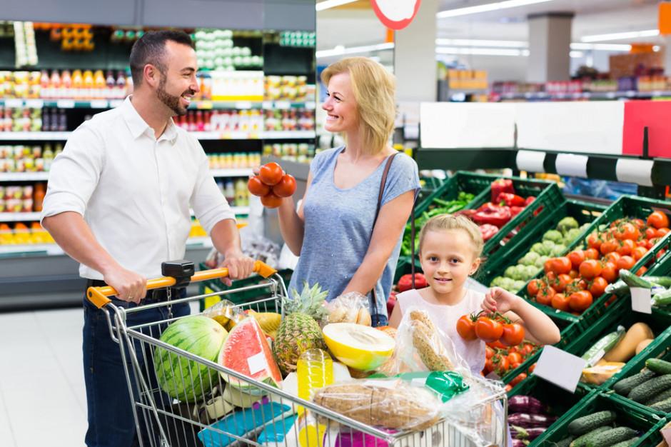 UOKiK: Część sieci handlowych źle oznacza pochodzenie owoców i warzyw