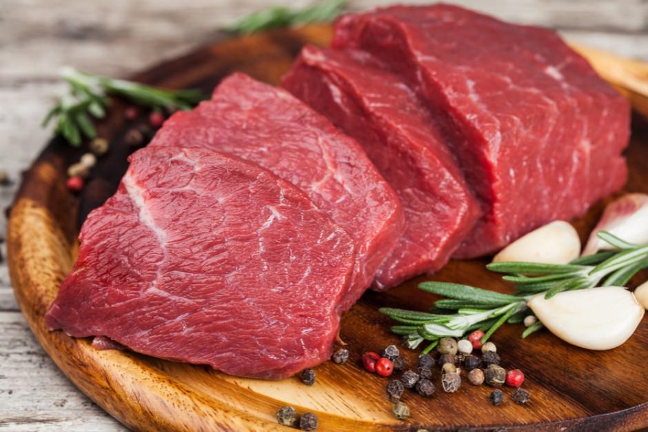 Czerwone mięso jednak nie szkodzi zdrowiu? (badanie)