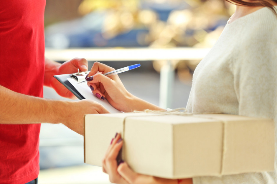 Rynek przesyłek kurierskich, ekspresowych i paczkowych w 2023 r. będzie warty ok. 12 mld zł