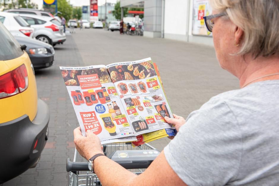 Polacy nawet 6 razy w miesiącu czytają gazetki promocyjne, głównie dyskontów i hipermarketów (badanie)