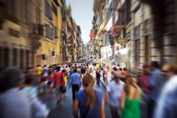 Blisko ¼ Polaków rozważa emigrację zarobkową (badanie)