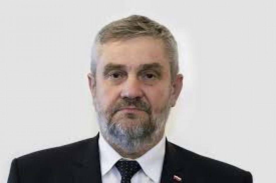 Ardanowski do rolników: Nie zwlekajcie ze składaniem wniosków o pomoc po suszy