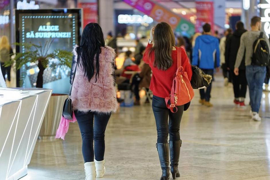 Kobiety spędzają na zakupach nawet 2 godziny, o pół godziny dłużej niż mężczyźni