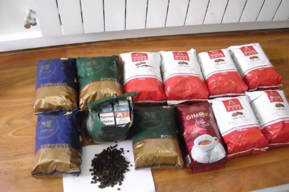 Podkarpackie: Nieudana próba przemytu papierosów w opakowaniach kawy