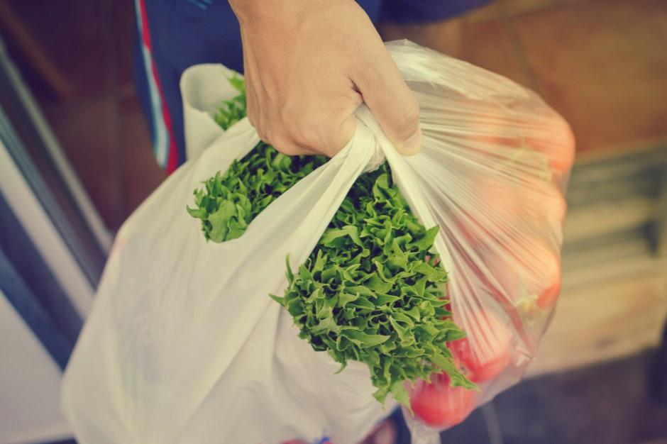 Ponad jedna czwarta Polaków przyznaje, że używa zbyt wielu toreb foliowych
