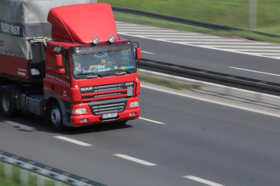 Regularne tygodniowe odpoczynki poza kabiną ciężarówki to kłopot dla kierowców