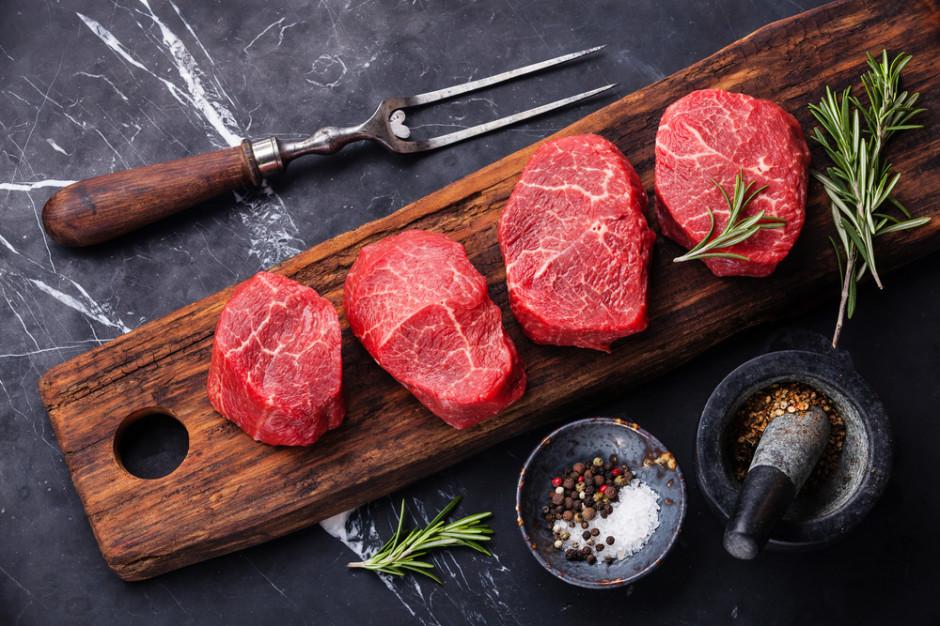 Czerwone mięso jednak nieszkodliwe? Najnowsze badania w ogniu krytyki