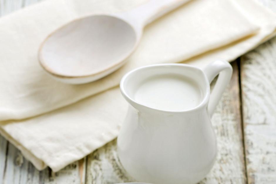 Białe mleko jedzie na Czarny Ląd