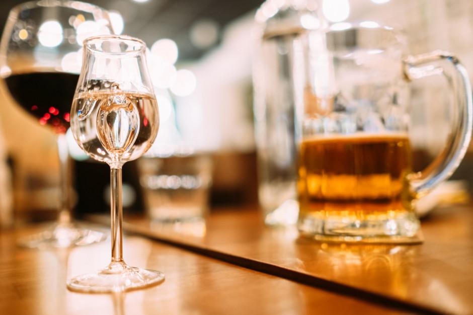 Branża spirytusowa: Podwyżka akcyzy na alkohole to preferencyjne traktowanie piwa