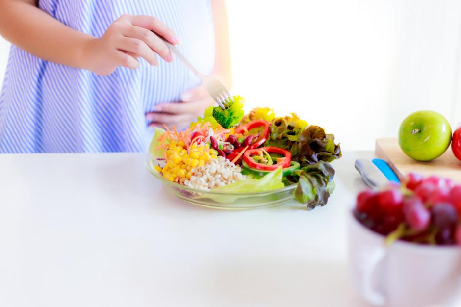 Naukowcy: Tłusta dieta w czasie ciąży uszkadza mózg płodu