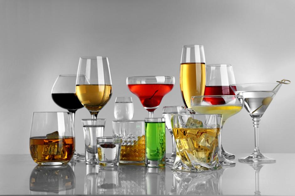 Pijemy więcej i coraz częściej sięgamy po alkohole z wyższej półki