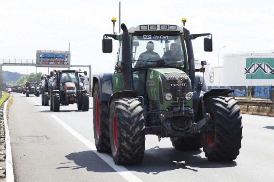 Francja:  Rolnicy zablokowali Paryż i Lyon