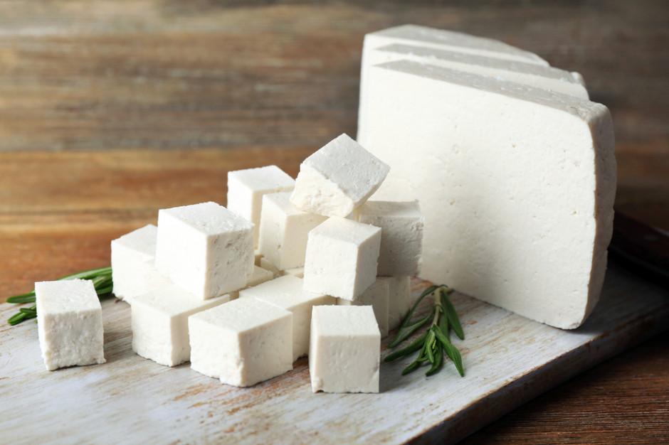 Komisja Europejska pozwała Danię za ser feta