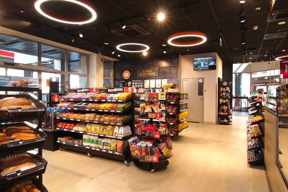 Circle K z nowym konceptem - sklep połączony z kawiarnią (galeria zdjęć)