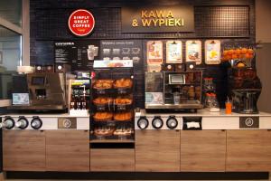 Zdjęcie numer 1 - galeria: Circle K z nowym konceptem - sklep połączony z kawiarnią (galeria zdjęć)