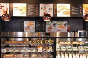 Zdjęcie numer 5 - galeria: Circle K z nowym konceptem - sklep połączony z kawiarnią (galeria zdjęć)