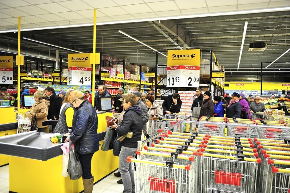 Carrefour z trzecim sklepem o profilu dyskontowo-hurtowym