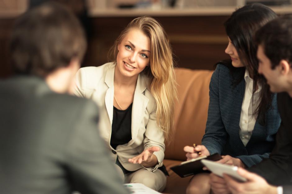 PIE: więcej kobiet niż mężczyzn wśród polskich wysoko wykwalifikowanych pracowników