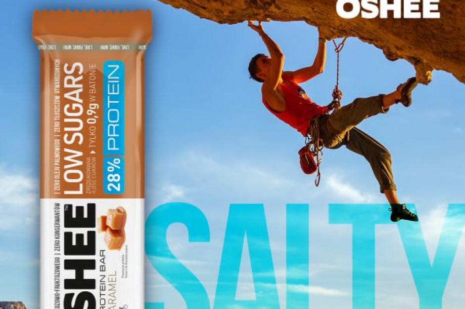 OSHEE powiększyło portfolio produktów o batony proteinowe w 2 nowych smakach