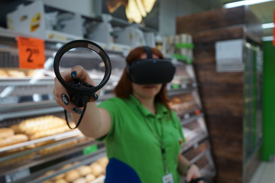 Biedronka szkoli pracowników wykorzystując wirtualną rzeczywistość