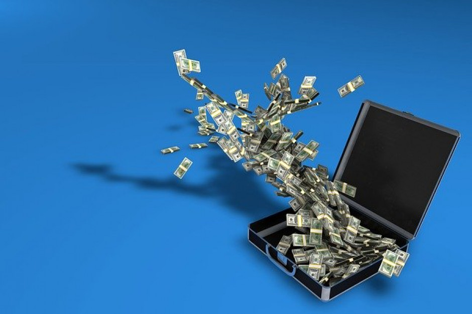 Banki obawiają się m.in. spowolnienia gospodarczego i ataku hakerskiego (badanie)