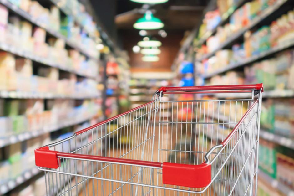 W grudniu Polacy wydają o ok. 20 proc. więcej pieniędzy na zakupy spożywcze