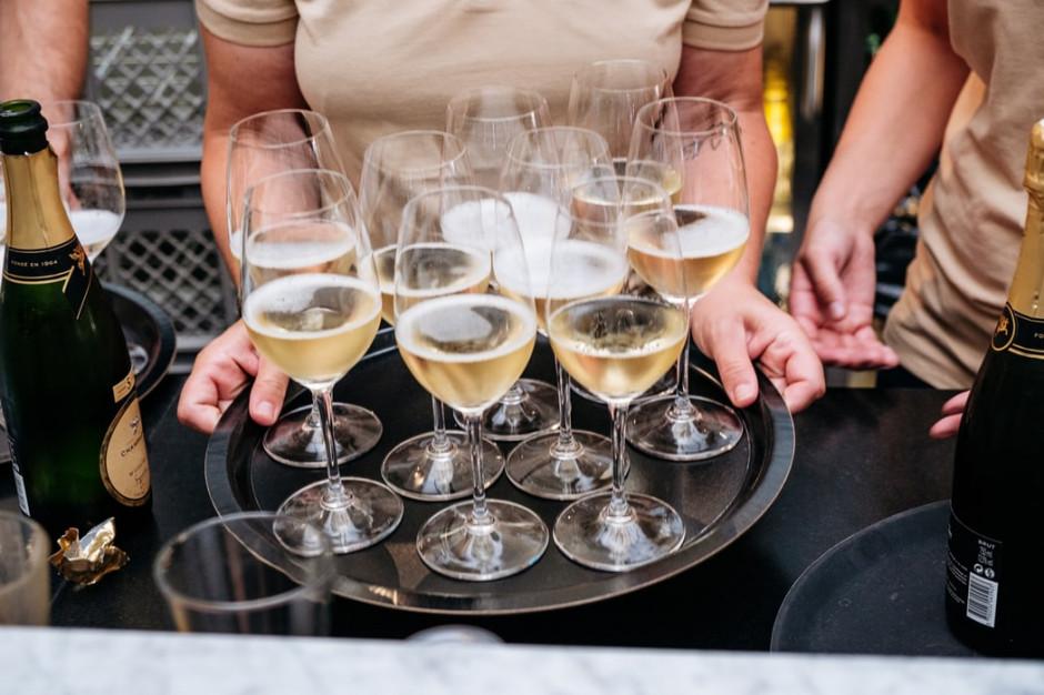 Casualowy piątek: Nastał czas win musujących. Prosecco góruje nad szampanem