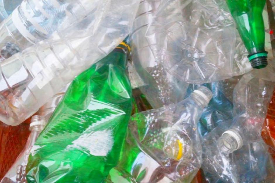 Ministerstwo Klimatu: Selektywna zbiórka butelek z tworzyw sztucznych na poziomie 77 proc. do 2025 r.