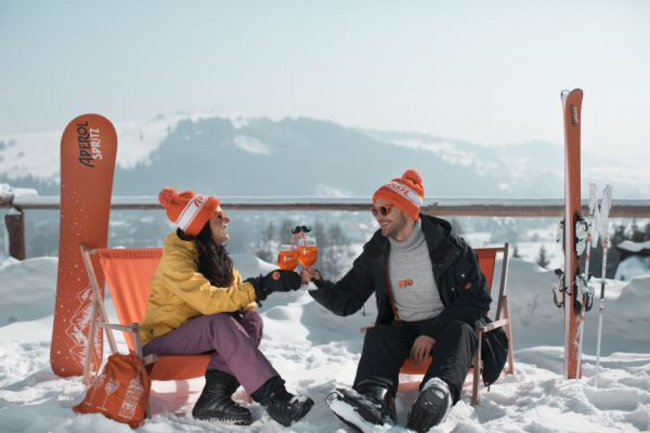 Włoski aperitif Aperol kolejny raz umila zimowy wypoczynek turystom