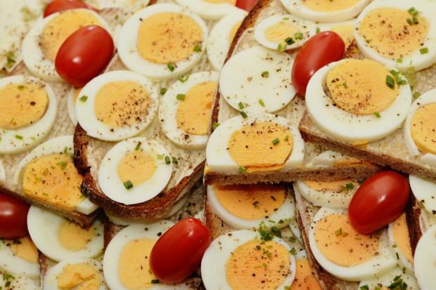 KIPDiP: Duzi producenci jaj poczekają aż rynek zweryfikuje popyt na jaja z chowów alternatywnych