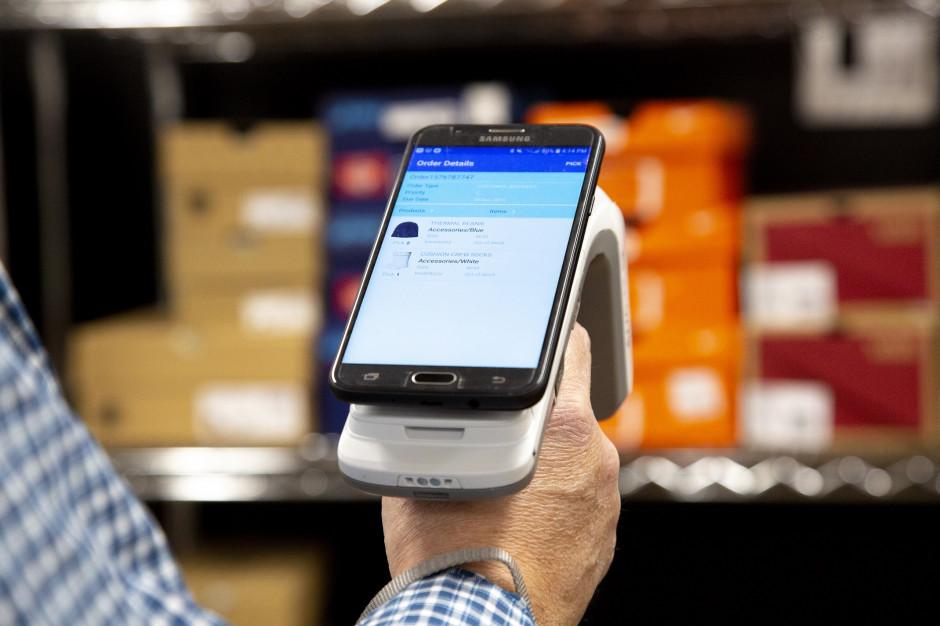 Handel coraz częściej przybiera formę wielokanałową. Jak reagować na nowe potrzeby konsumentów?