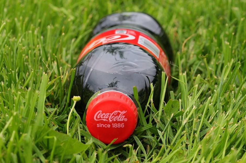 Coca-Cola nie zamierza wycofać się z plastiku, bo  konsumenci chcą go używać