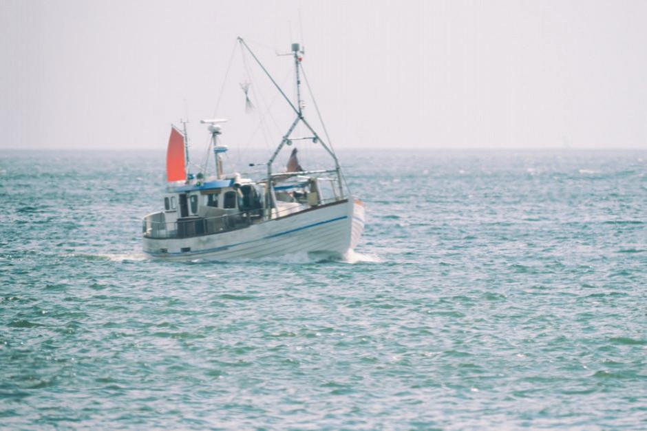 W. Brytania: Ustawa o rybołówstwie odbierze kutrom z UE automatyczne prawo do połowu