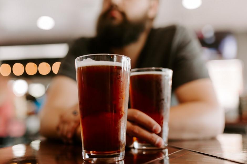 Badanie: ponad 90 proc. konsumentów pije alkohol podczas transmisji wydarzeń sportowych