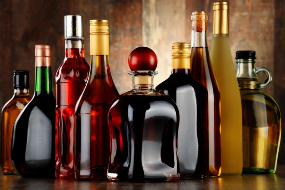 Raport: W sklepach rośnie liczba promocji na rum i gin